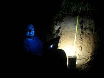 Hirmas with the MLT scanner in soil pit at night
